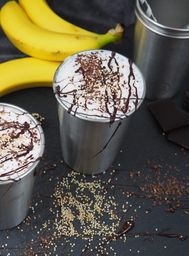 Bananen-Schoko-Kokos Shake